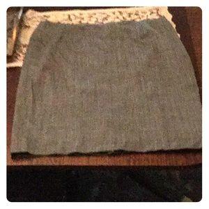 Anne Klein skirt gray lined Sz 12. Beautiful